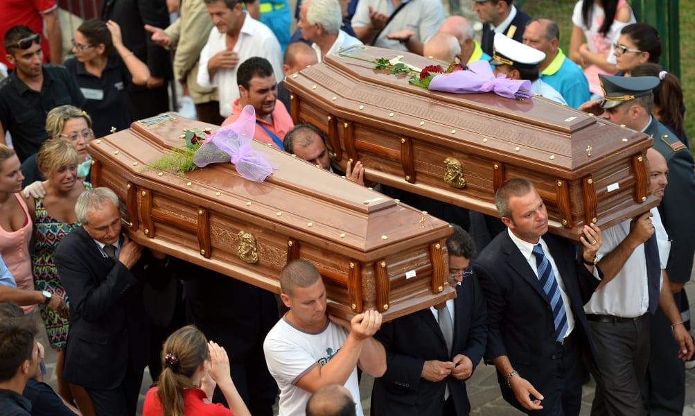 10 italy bus funerals 0730