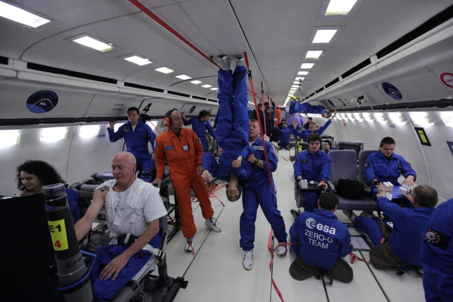 Rosie Tomkins Zero-G parabolic flight