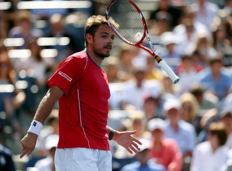 wawrinka throws racket