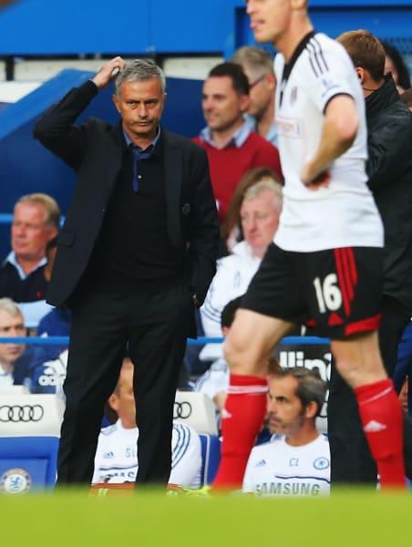 mourinho scratches head