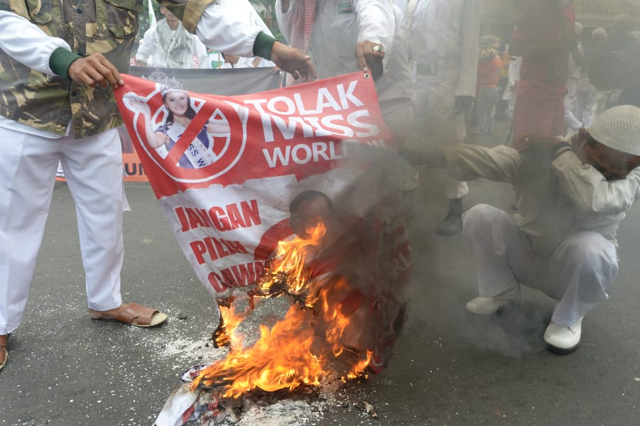 indonesia miss world protest 2