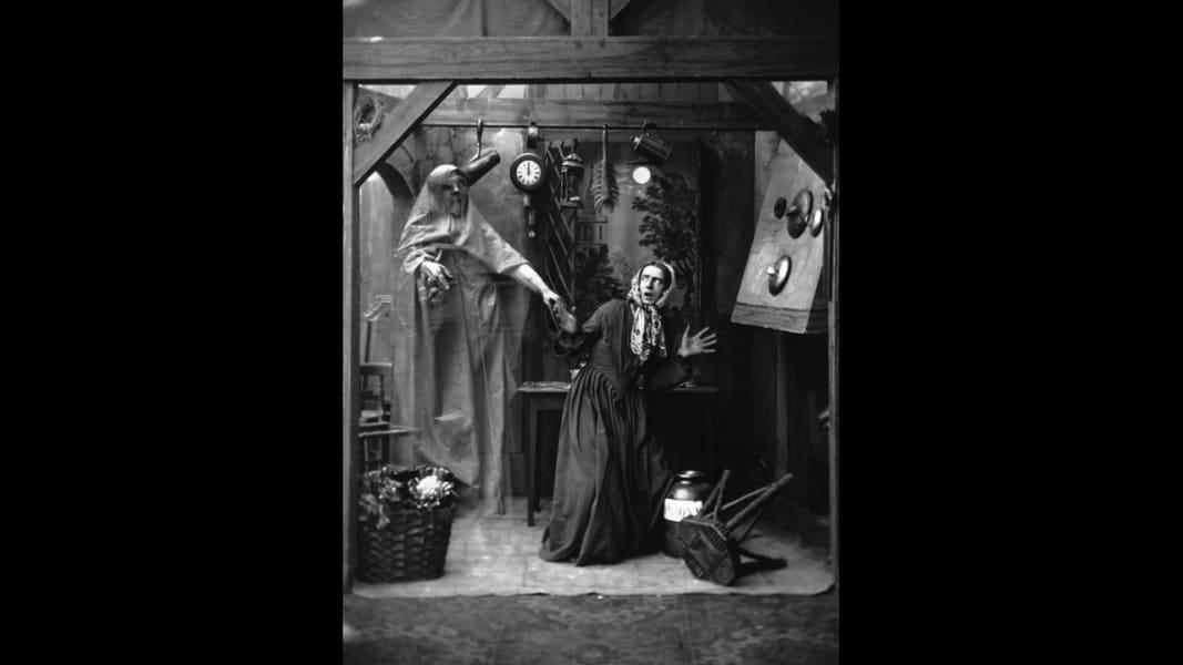 09 halloween stereoscopes