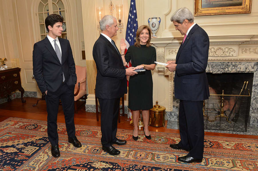 caroline kennedy sworn in