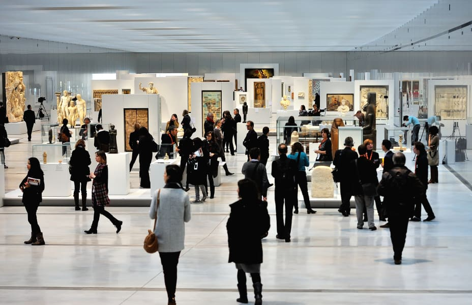 louvre lens gallery space