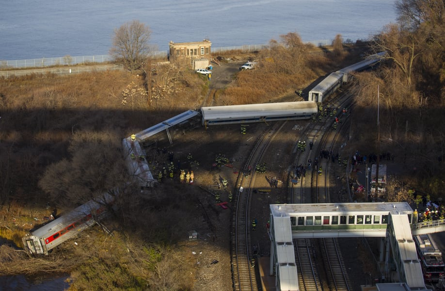 06 new york train derailment
