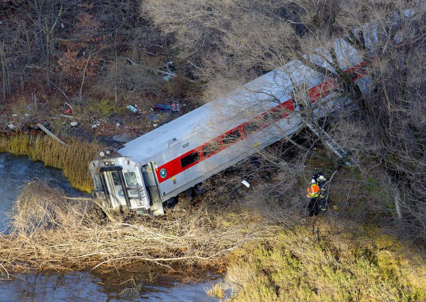 13 new york train derailment