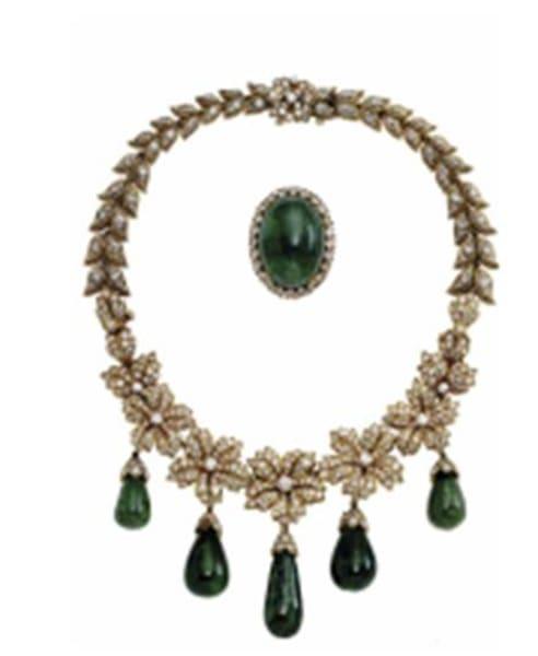 Jacqueline Onassis Van Cleef and Arpels necklace