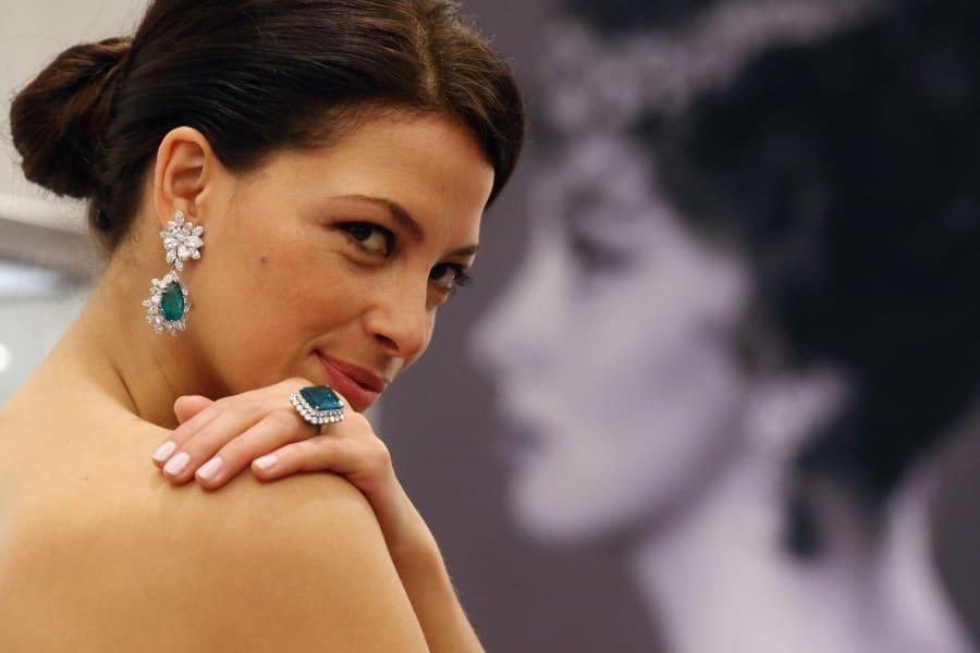 Gina Lollobrigida jewel sale