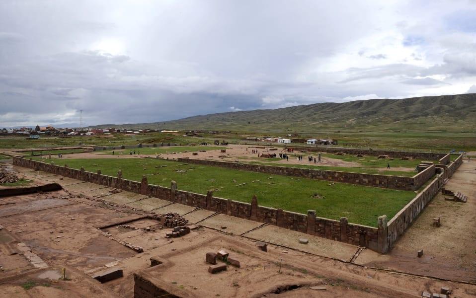 11 achaelogy tiwanaku