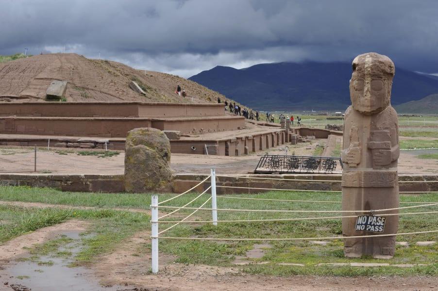 12 achaelogy tiwanaku
