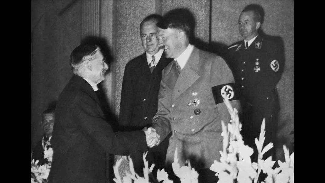 15 handshakes hitler chamberlain