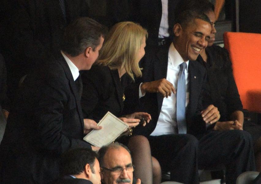 Obama selfie 1