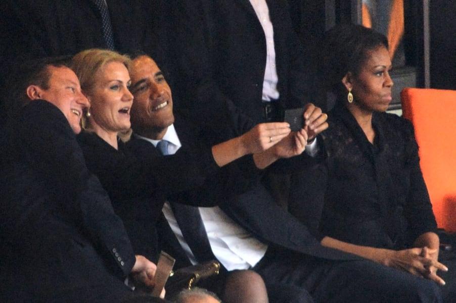 Obama selfie 2