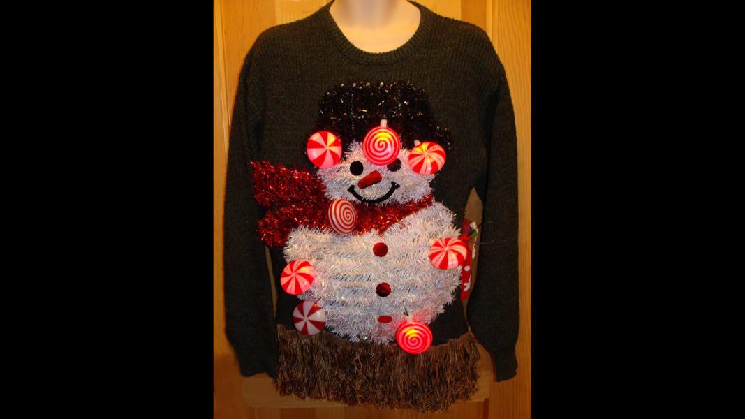 08 dress festively 1212