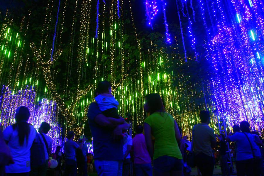 irprt christmas philippines light show