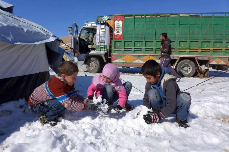 01 syria refugees snow