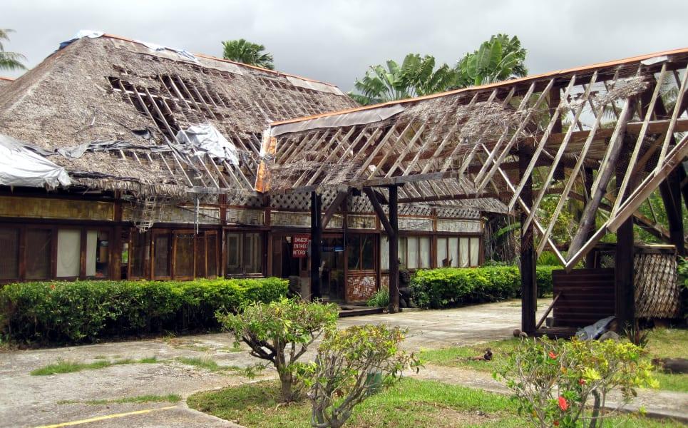 world abandoned hotels-french polynesia