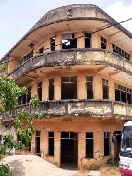 world abandoned hotels-laos