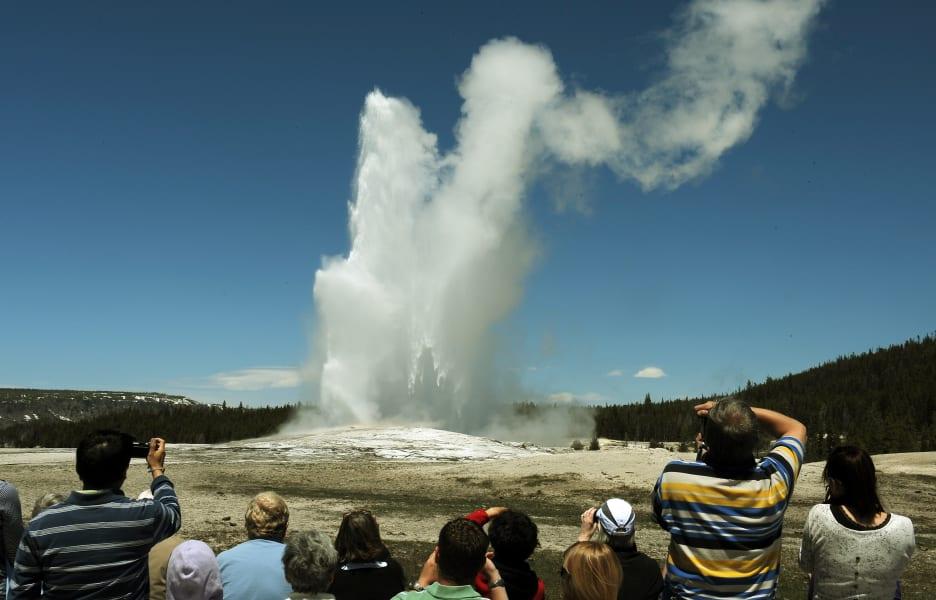extreme weather-geyser2