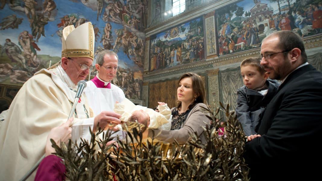 04 pope baptisms 0112