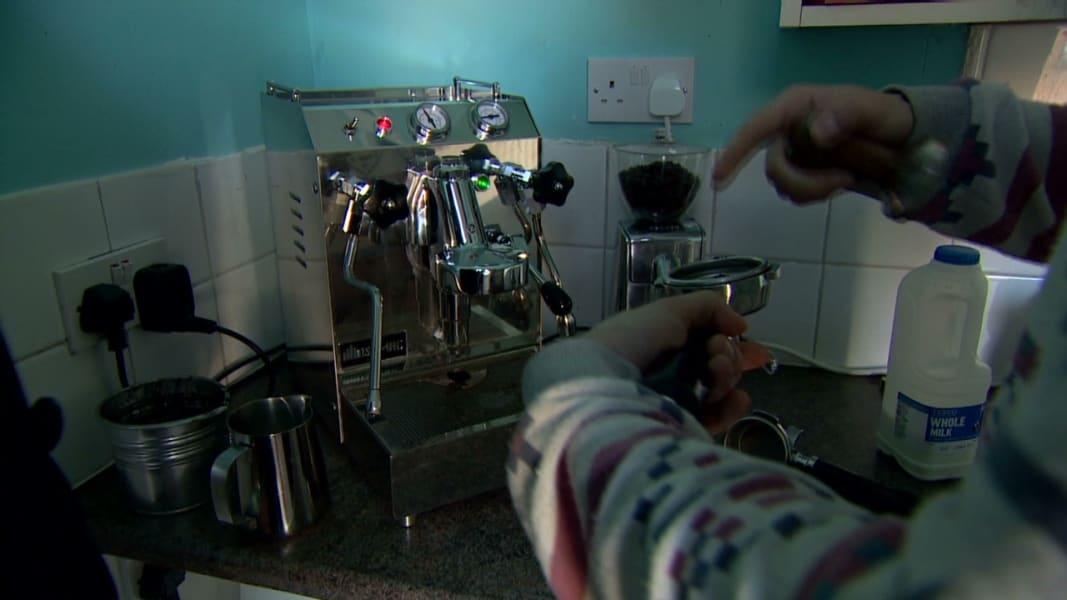 pkg soares uk pay per minute cafe _00010526
