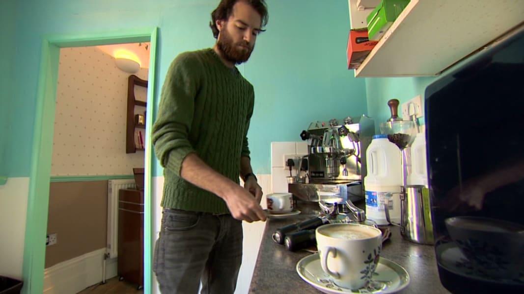 pkg soares uk pay per minute cafe _00015106