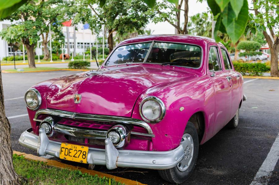 irpt cuba car pink