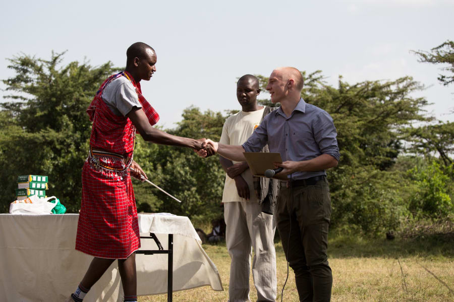 Maasai graduation Rune