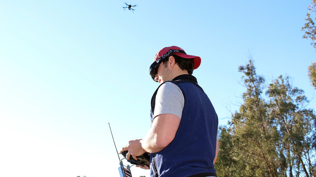 drone-fly-in-4
