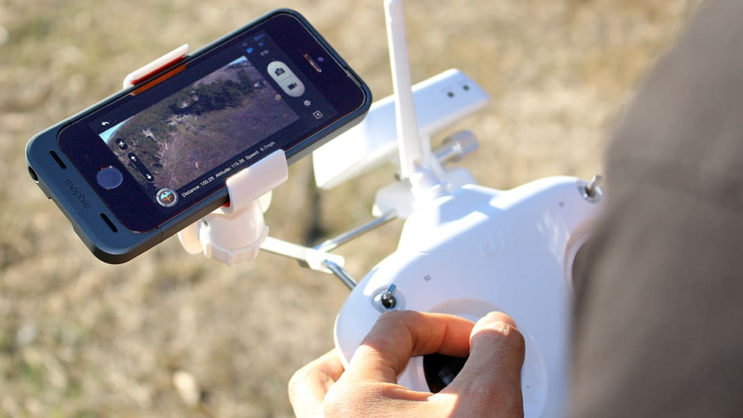 drone-fly-in-5