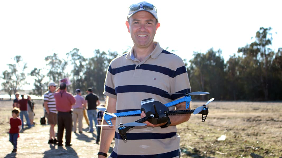 drone-fly-in-6