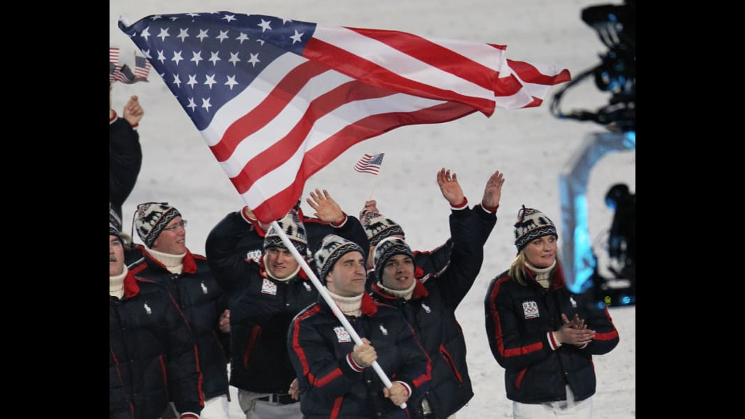 02 winter olympic outfits 2010