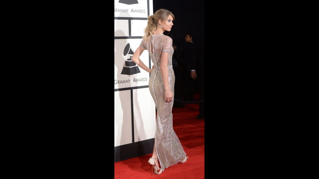 47 grammys red carpet - Taylor Swift