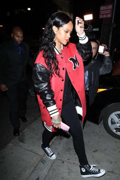 ENTt1 Rihanna 01272014