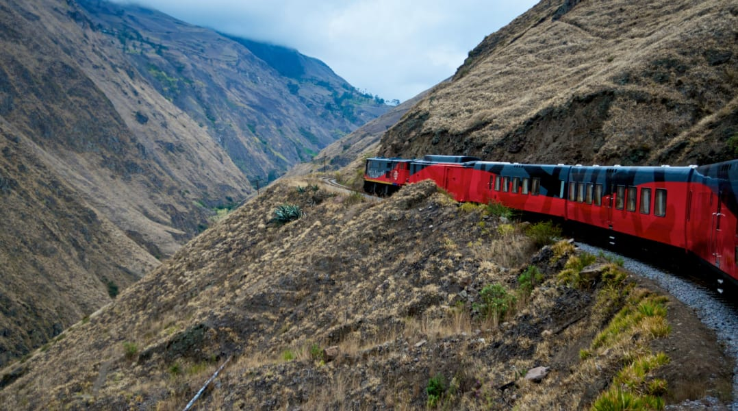 ecuador train-j