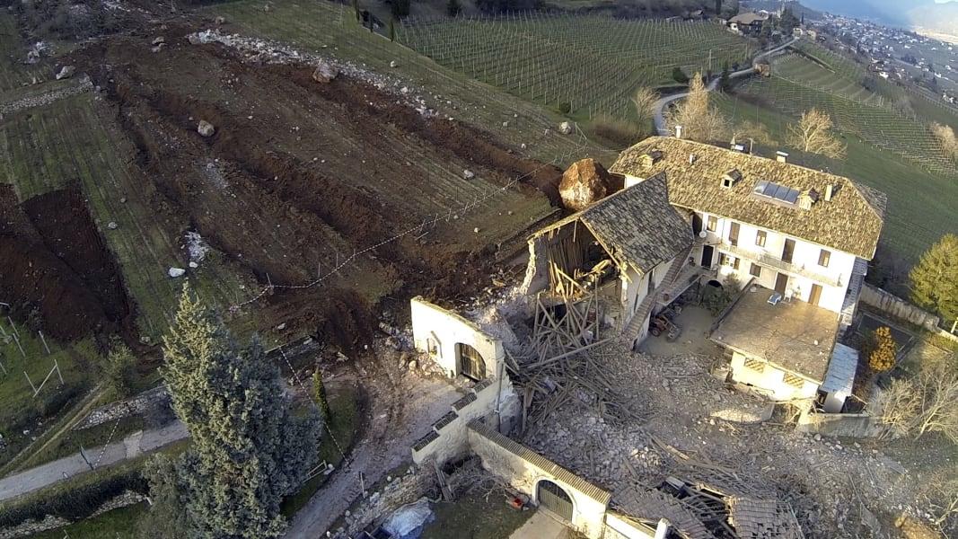 04 italy landslide