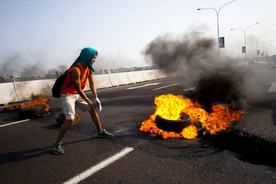 venezuela Rojas feb 15 fire irpt