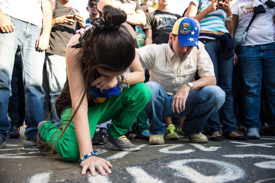 Venezuela protest Becerra crying irpt