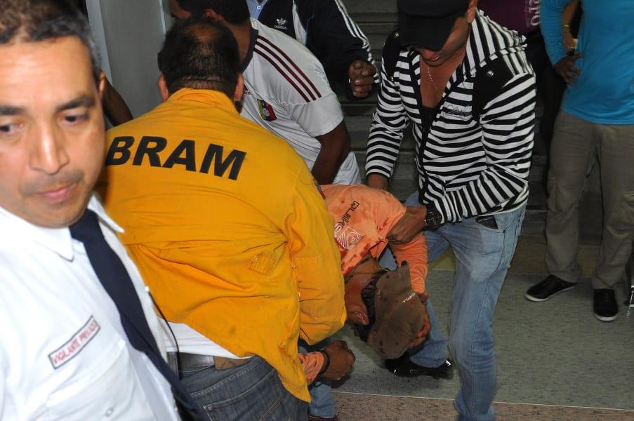 Protesta y Heridos los estudiantes (23)