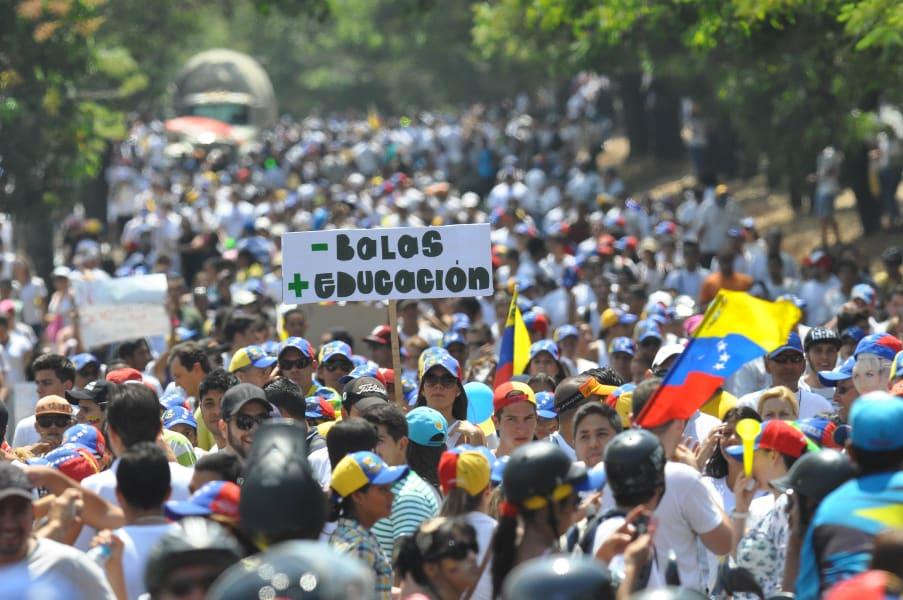 Protesta y Heridos los estudiantes (33)