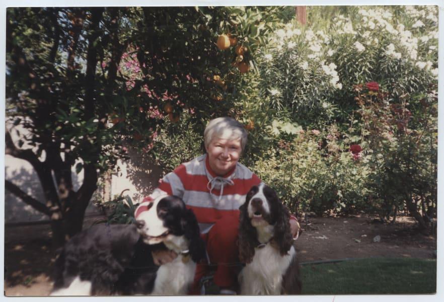 gloria killian joyce with dogs