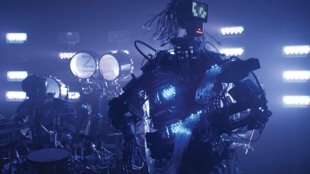robot band guitarist