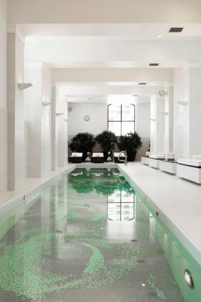 hotel indoor pools waldorf chicago