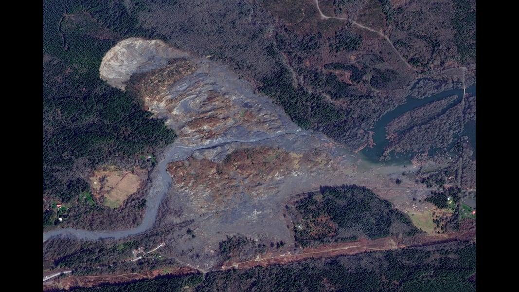 RESTRICTED 01 landslide 0401