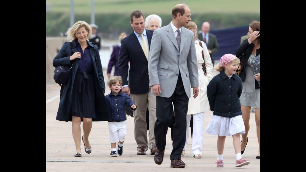 08 royal children trips