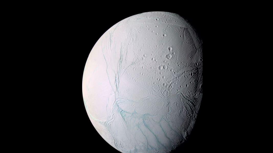 newday vo saturn moon _00003923