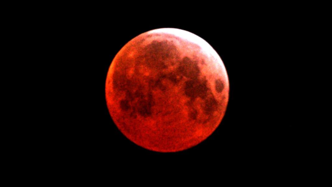01 Lunar Eclipse 0414