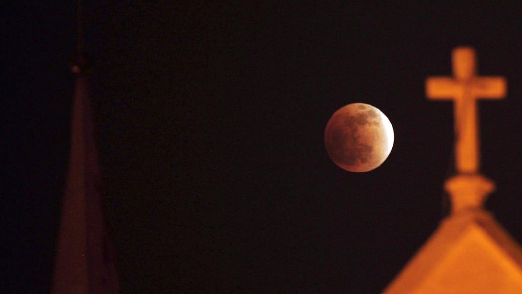 02 Lunar Eclipse 0414