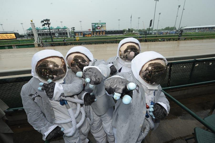 kentucky derby astronaut fans
