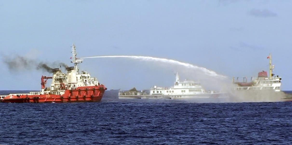 China Vietnam oil rig